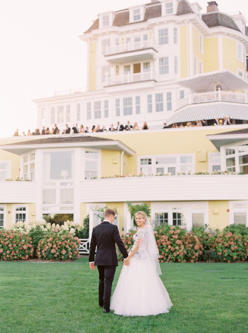 Wedding beach house  Elizabeth u Tylerus Elegant Ocean House Wedding in Watch Hill Rhode