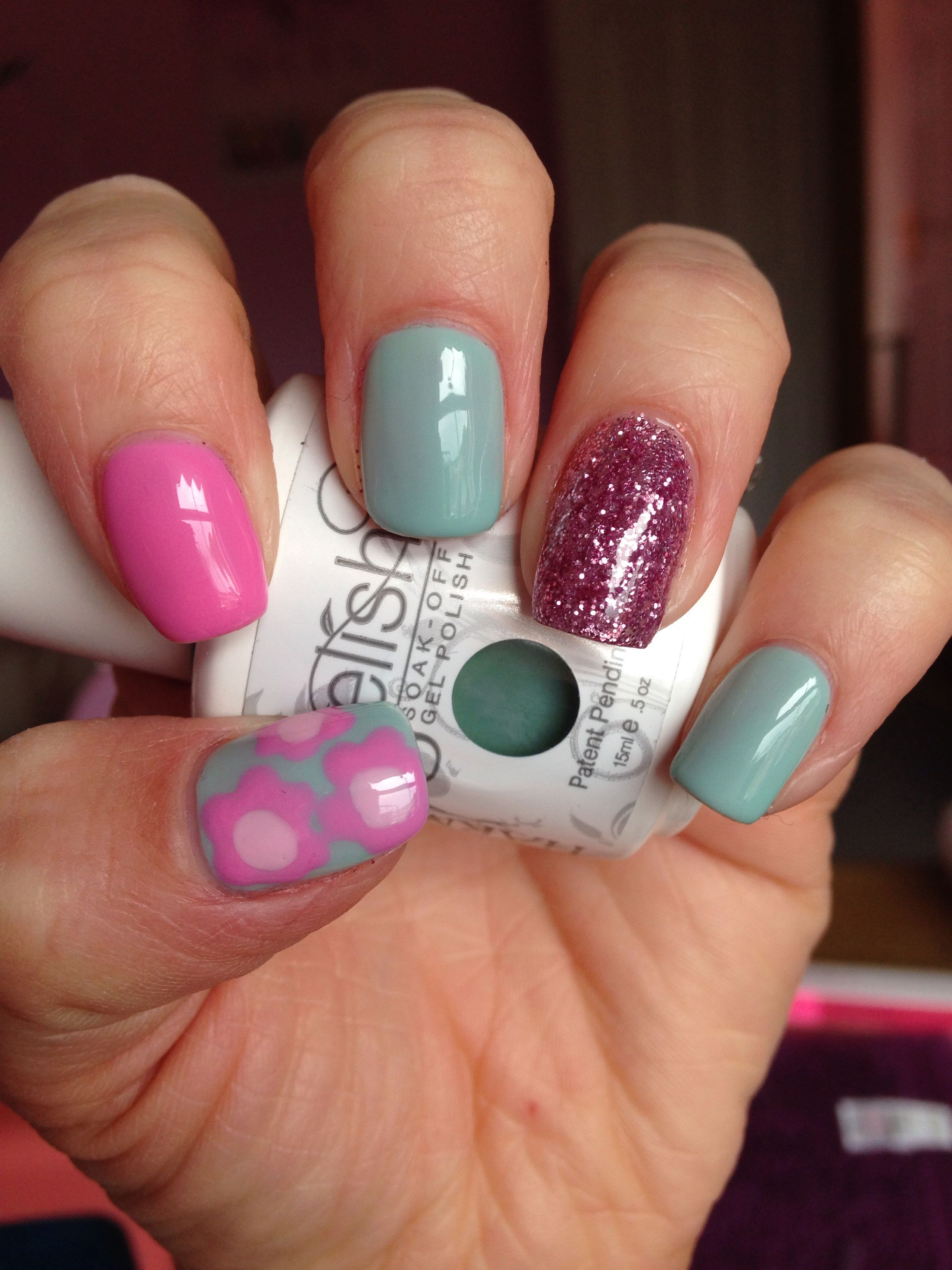 Go girl pink, Seafoam & pink glitter nail gel nails flower nail art #gelish #hailsnails
