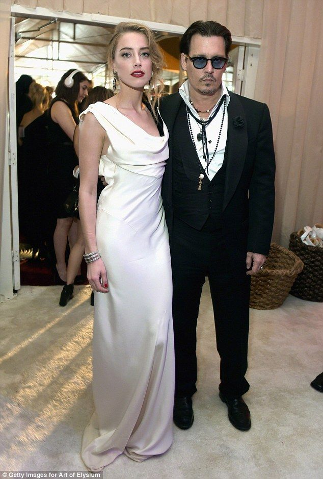 Just Married Johnny Depp 51 And Amber Heard 28 Tie The Knot At Their Home In Los Angeles Wedding Looks Wedding Dresses Celebrity Weddings
