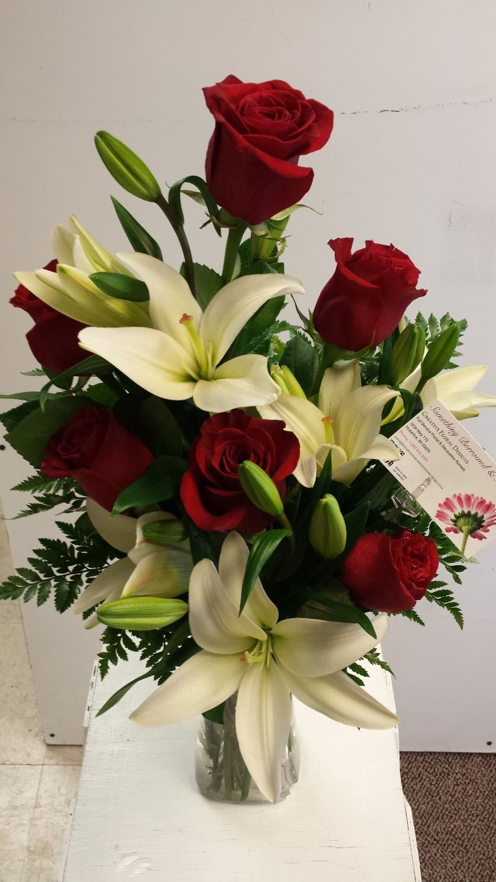 Vased Half Dozen Red Roses And White Lilies Flower Arrangements