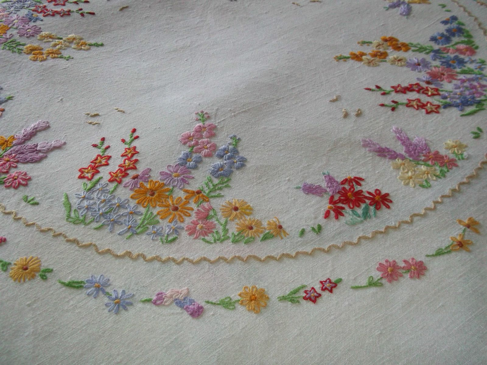 Vintage hand embroidered floral table cloth embroidery