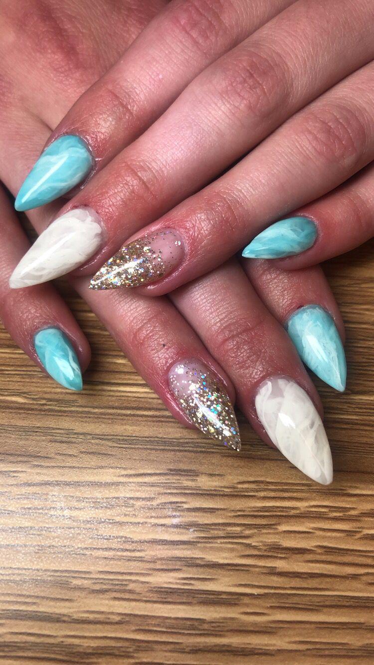 Blue And White Quartz Nails Bluequartz Whitequartz Glitterfade Quartz Nail White Quartz Beauty