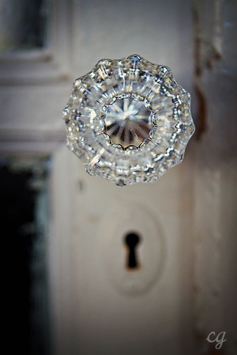 Maison Bleue clear glass door knobs.