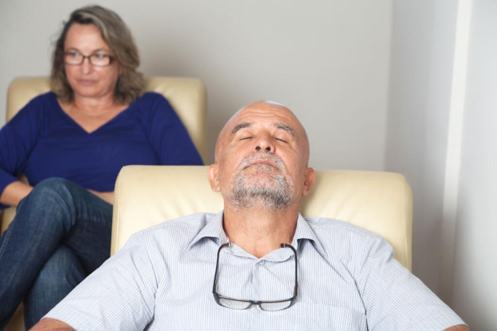 Unterbewusstsein So Kannst Du Es In 4 Einfachen Techniken Sofort Und Wirkungsvoll Umprogrammieren Unterbewuss Glückliche Beziehung Unterbewusstsein Beziehung