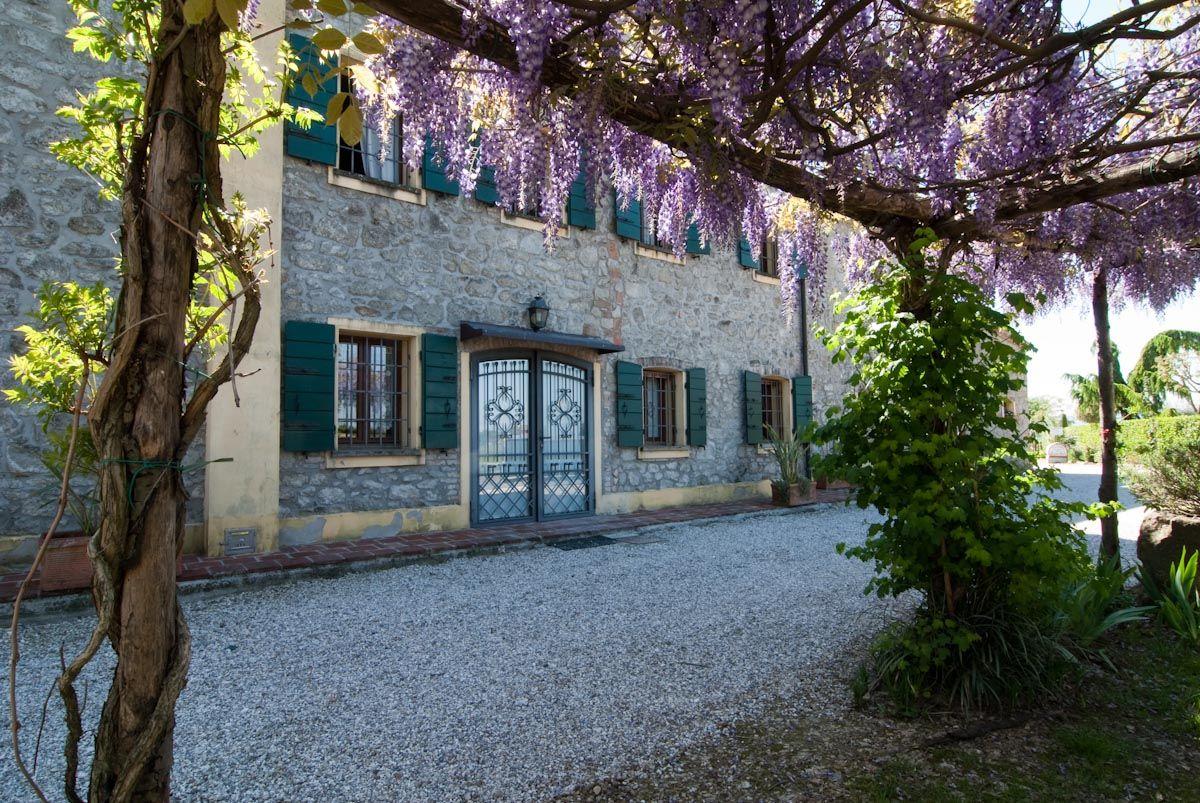 """All' agriturismo """"La buona terra"""" di Cervarese di Santa Croce(PD) stanza doppia dal 28/07 al 4/08 a 600 euro con aperitivo offerto. Visita il nostro sito www.buonaterrabio.it"""