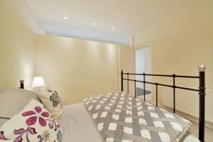 Located in London, this apartment features free WiFi. The apartment is 1.1 km from Hyde Park.