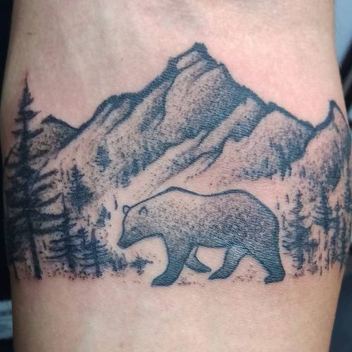 Stunning Grizzly Bear Tattoo Ideas // April, 2020 ...