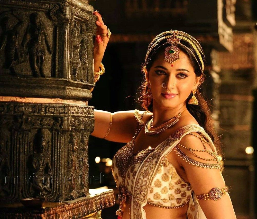 Anushka shetty anushka shetty hot stills pictures beautiful pictures - Rudramadevi Anushka Shetty Hot Stills