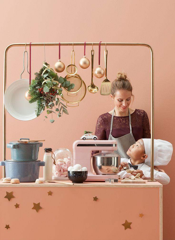 Het kerstdiner maken: voor de een is dit groot feest, voor de ander 'n doorn in het oog. Don't worry: de simpelste gerechten worden al feestelijk door ze leuk te decoreren. Ga voor klassiekers en geef ze een gouden randje. #kerst #recept #diner #gerecht #interieur #decoration #kerstboomversieringen2019 Het kerstdiner maken: voor de een is dit groot feest, voor de ander 'n doorn in het oog. Don't worry: de simpelste gerechten worden al feestelijk door ze leuk te decoreren. Ga voor klassie #kerstboomversieringen2019