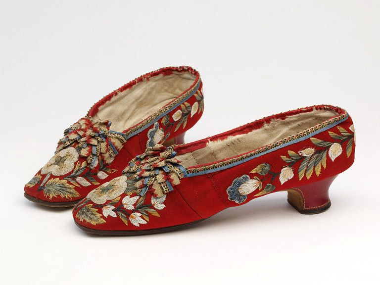 Shoes, American, 1850-1875, with moose hair embroidery on wool.