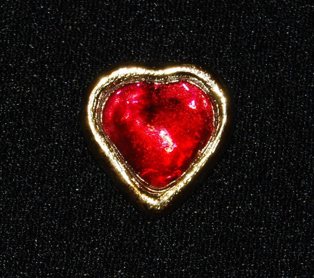 004fe5387f8 Yves Saint Laurent Red Gripoix Glass Heart Pin Brooch Vintage Signed YSL by  Savesitall on Etsy