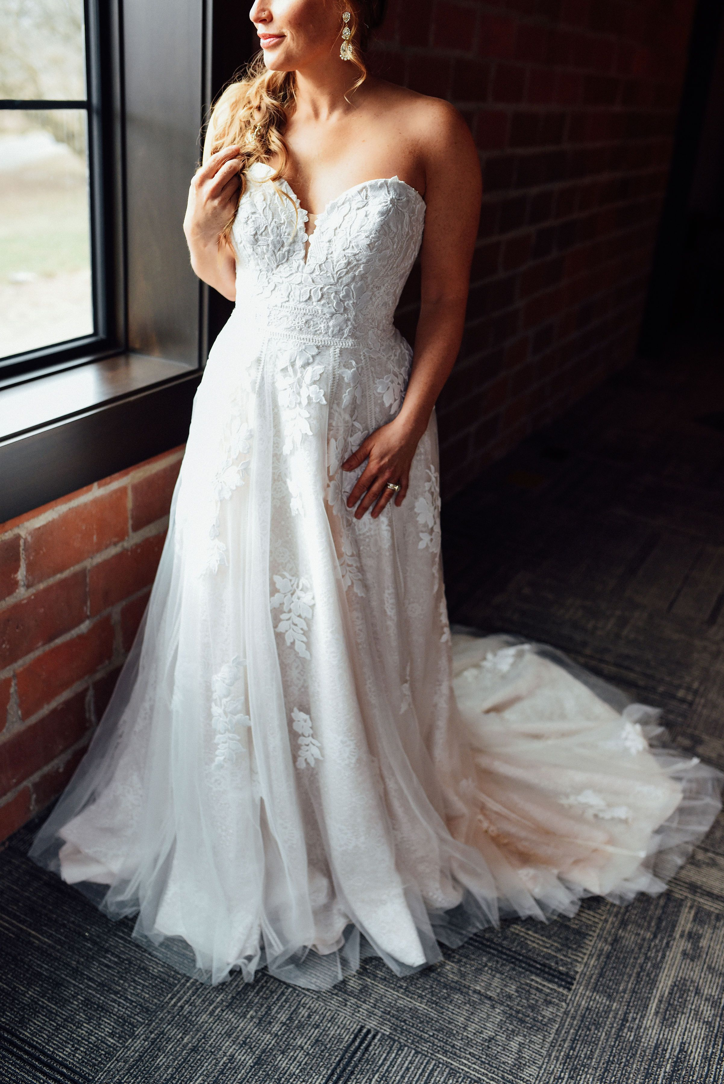 Mina Starsiak From Hgtv S Good Bones In A Gorgeous Essense Of Australia Essence Of Australia Wedding Dress Essense Of Australia Wedding Dresses Wedding Dresses [ 3600 x 2403 Pixel ]