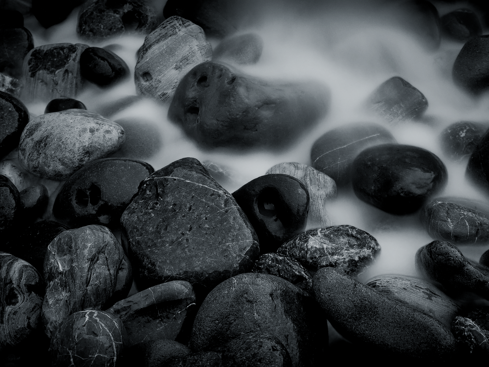 black and white river rocks wallp tlg wallpaper