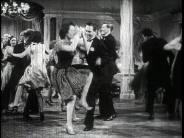 Filmframe einer Charleston-Tanzveranstaltung | die