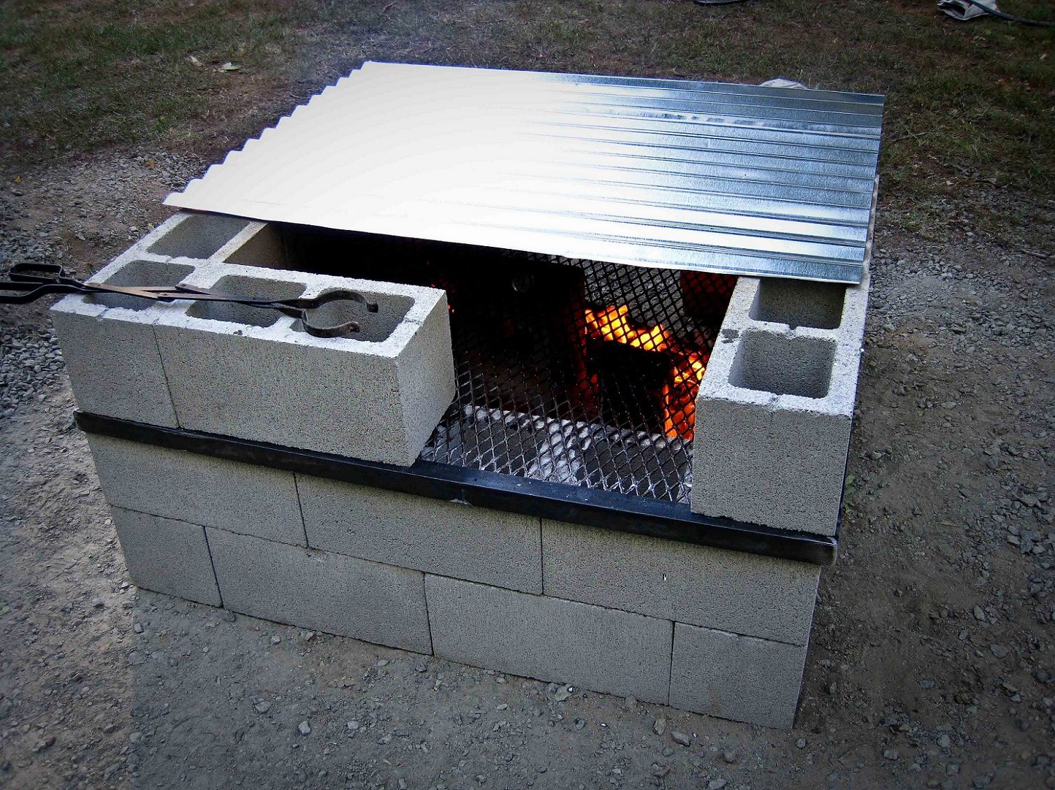 15 Outstanding Cinder Block Fire Pit Design Ideas For Outdoor Cinder Outdoor Areas And Fire