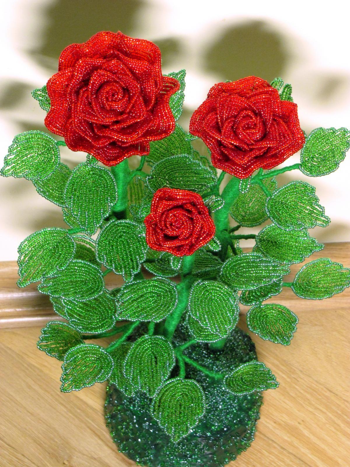 Розы из бисера со схемами фото 924