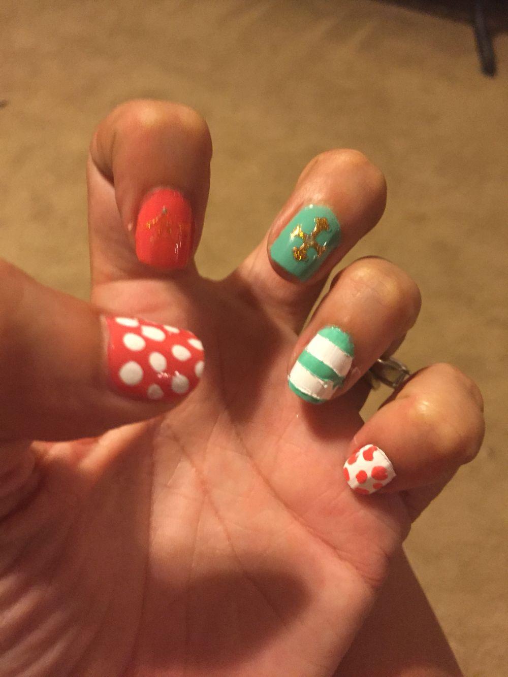 DIY short nails.