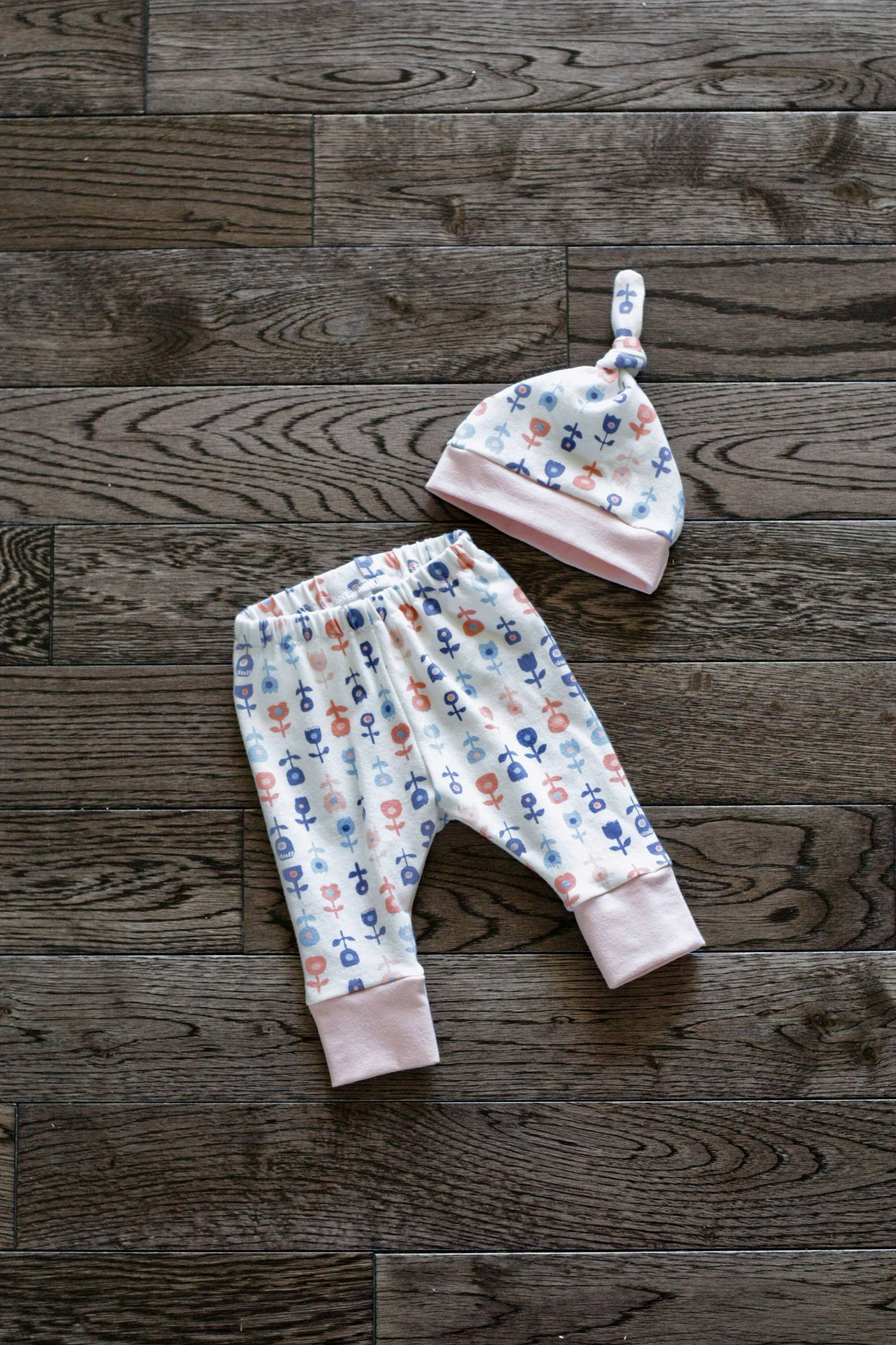 Baby Leggings Toddler Leggings And Hat Set Petite Floral Print With White Cuffs Cotton Jersey Knit Baby Leggings And Hat Set Toddler Leggings Baby Leggings Baby Knitting
