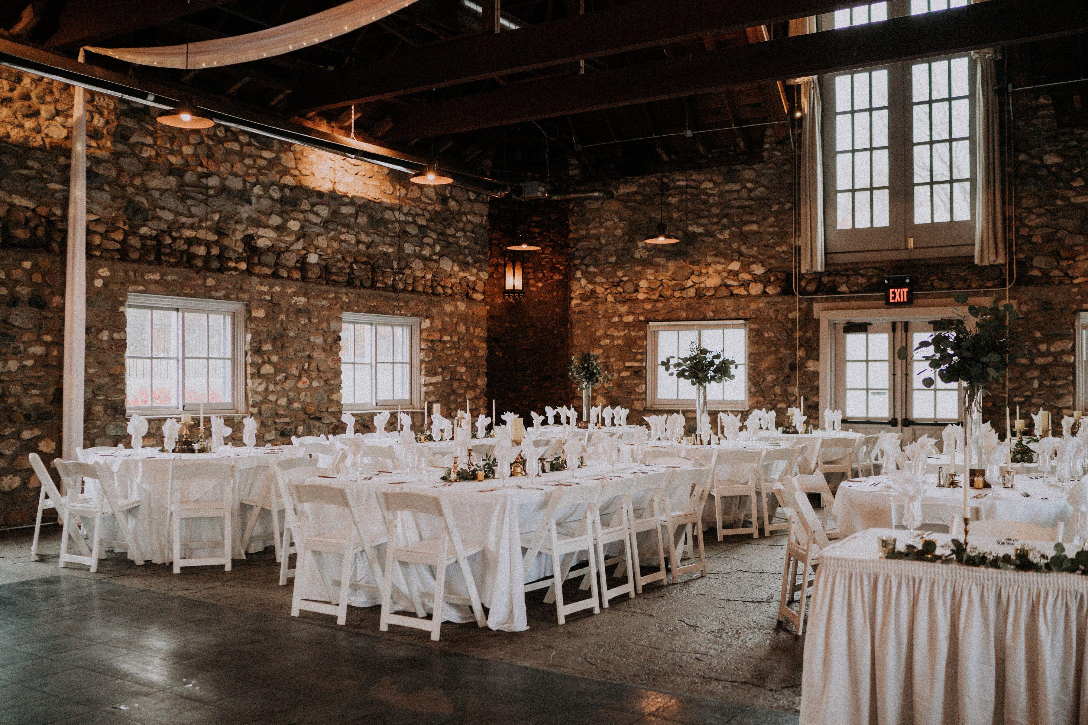 Photographer Holden Photo Venue Castle Farms Knight S Castle Fall Wedding Venues Barn Wedding Venue Michigan Wedding Venues