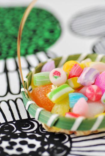 「桃の節句のおひな菓子」Girl's Festival Candy in the bamboo basket