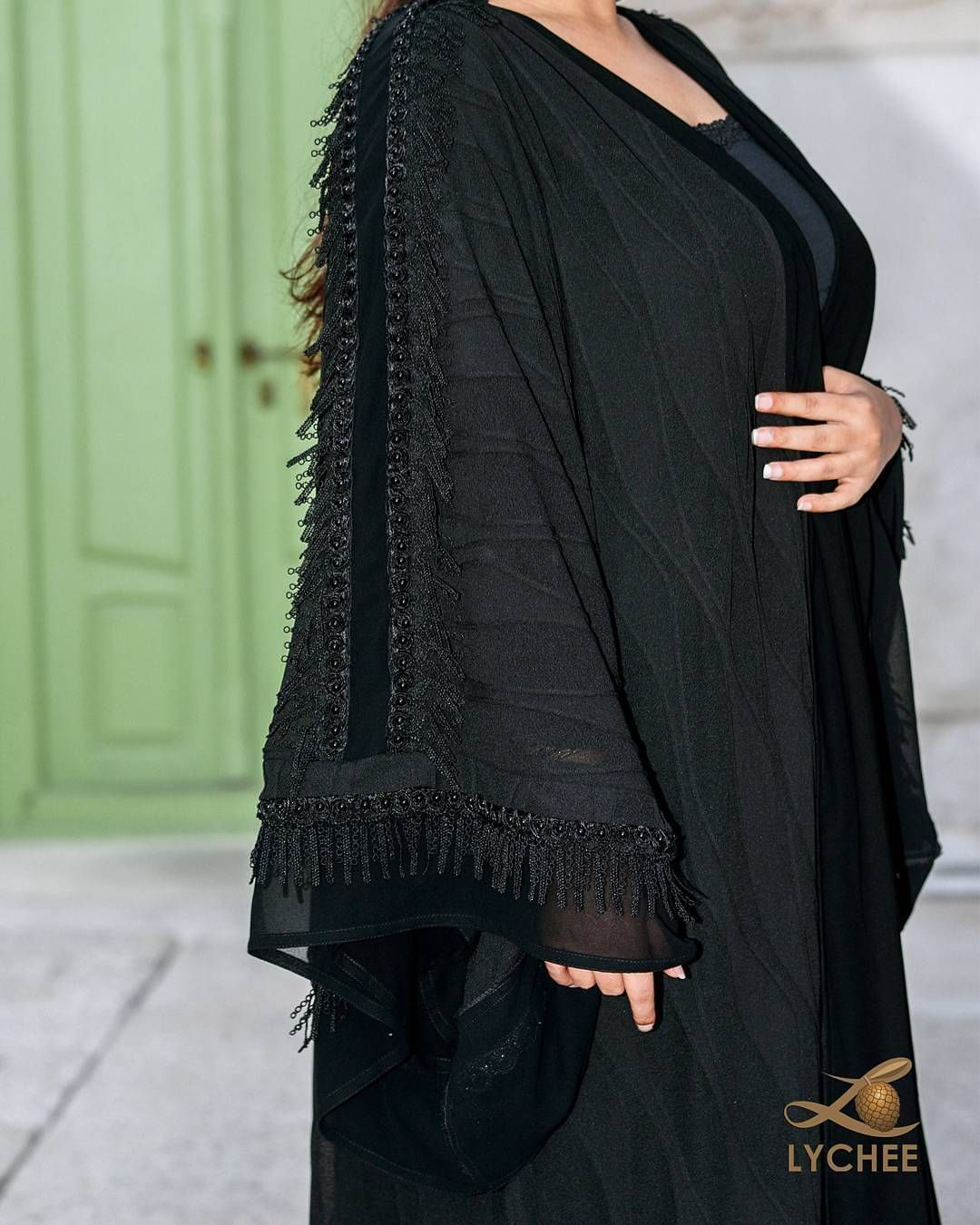 Repost Lychee Bh With Instatoolsapp تفاضيل اكثر للعباية في البوست السابق القماش سترج مع تفاصيل والدانتيل بالاطراف والك Abaya Fashion Fashion Outfits Fashion