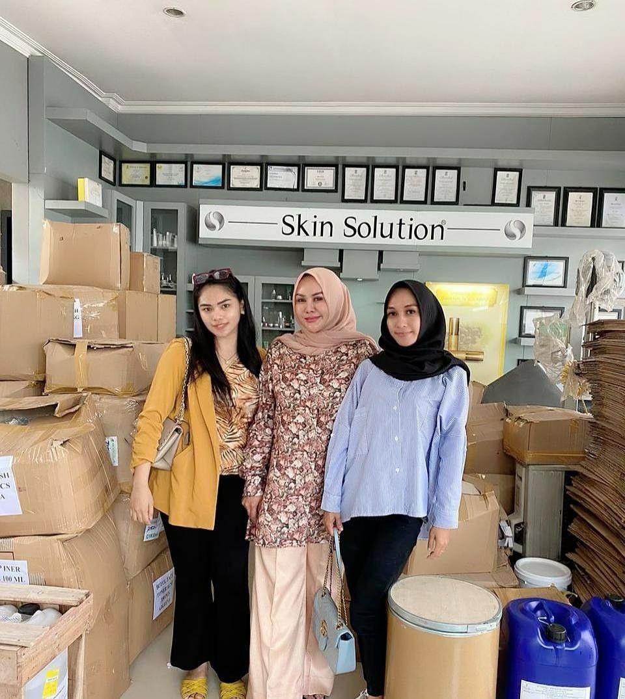 Melayani Semua Cuatomer di Indonesia Produk, Indonesia