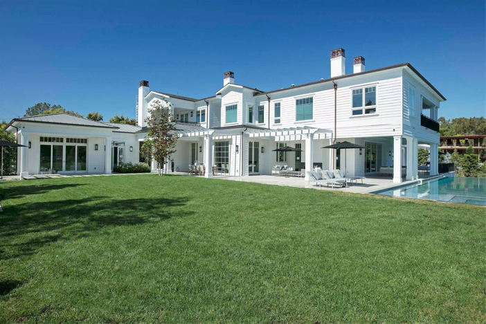 Estate Of The Day 29 9 Million The Point Modern Mansion In Los Angeles California Mansions Los Angeles Homes Luxury Homes
