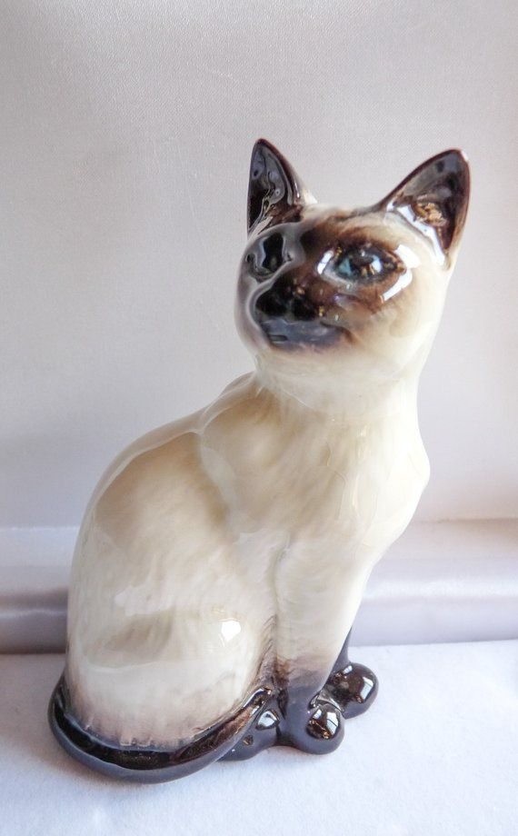 Siamese Cat Sitting Looking Miniature Figurine Porcelain