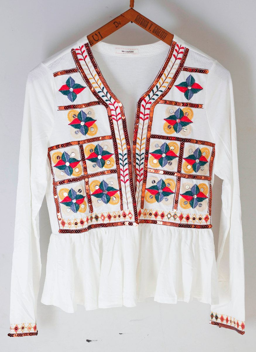 31be51631 saquitos estilo rapsodia bordados blazer hindu | mama | Blusas ...