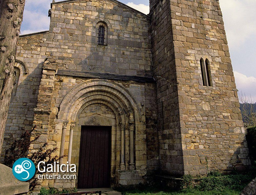 La Basílica de San Martiño de Mondoñedo, situada en el municipio de Foz, está considerada como la catedral más antigua de España, ya que en el siglo IX fue sede de dos obispados del Reino de Galicia, uno trasladado desde Dumio, en el distrito de Braga, y otro trasladado desde Bretoña, en la provincia de Lugo. El edificio actual es románico de finales del siglo XI y los recios contrafuertes son obra del siglo XVIII.