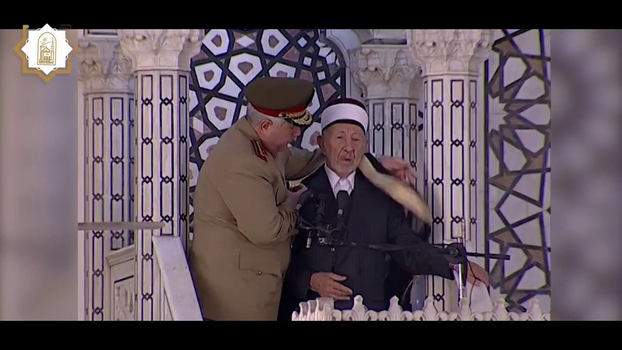 هذا ما قاله الدكتور البوطي في خطبة عيد الفطر التي حضرها الرئيس الأسد في Places To Visit Visiting Fictional Characters