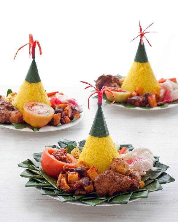 Turmeric rice, nasi tumpeng