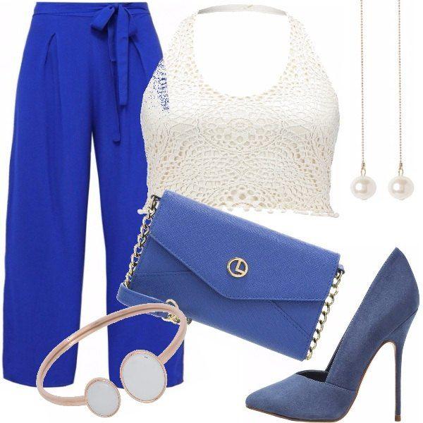 7429c12f8b9b37 Pantalone palazzo, blu cobalto;top corto, bianco, con scollo a v, ,  abbinata una pochette blu con fantasia monocromo, , decollete', dark blue,  ...