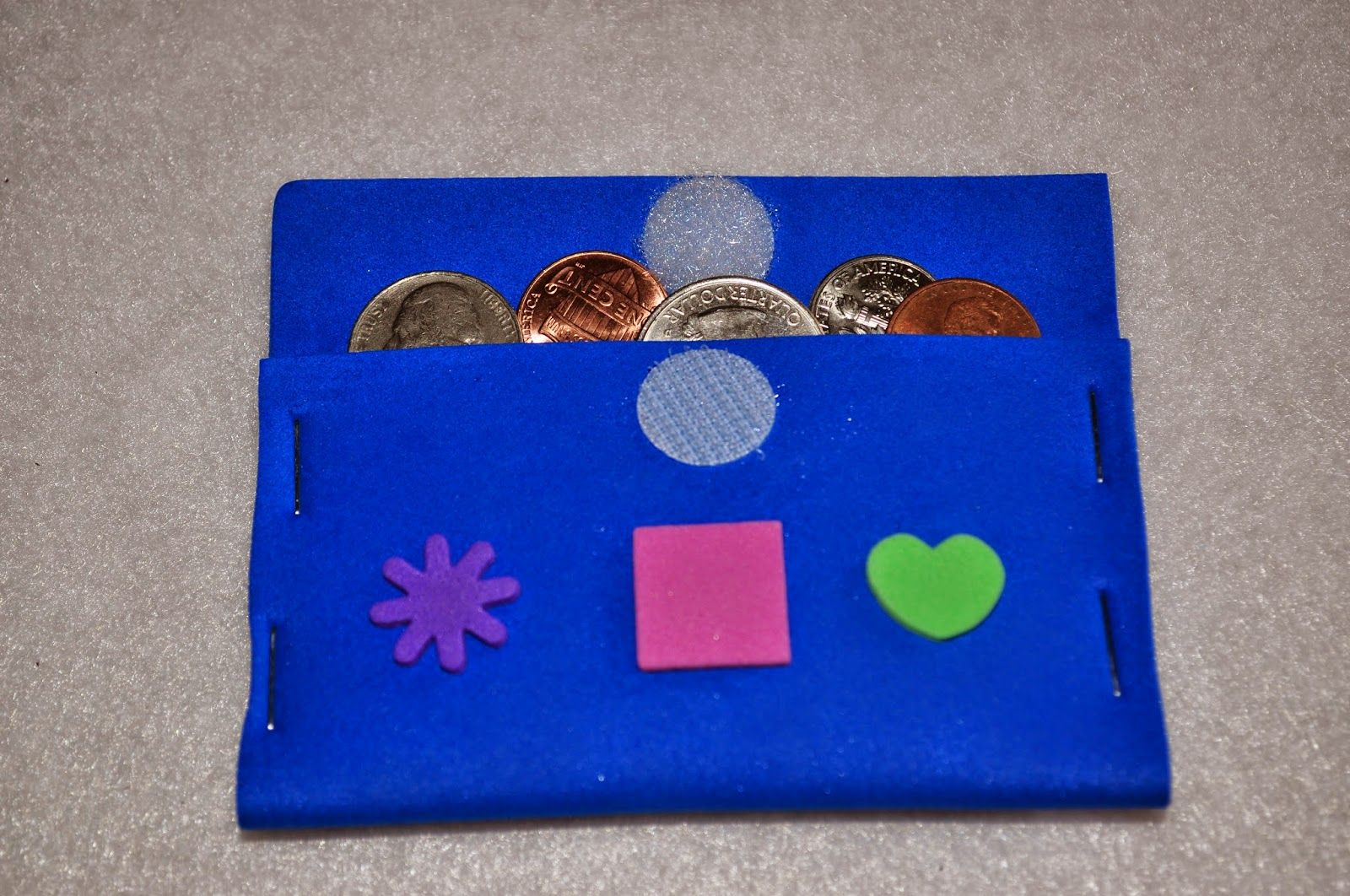 A little money pouch craft for kids to keep their offering