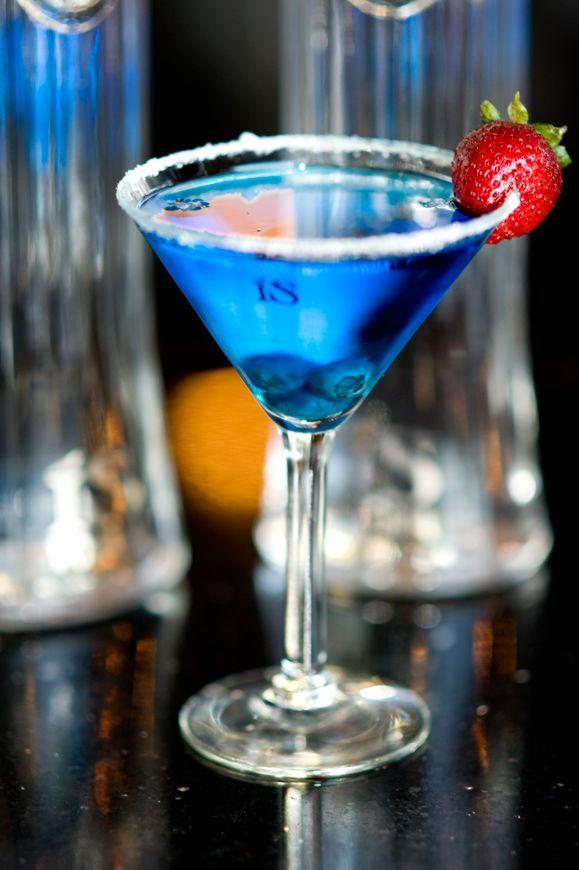 Blue lagoon vodka blue curacao lemonade cherry orange for Orange and blue cocktails