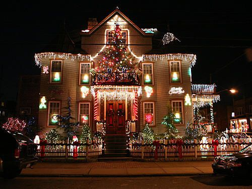 Christmas Decorations Famouse For The Whole Brooklyn Its Lights