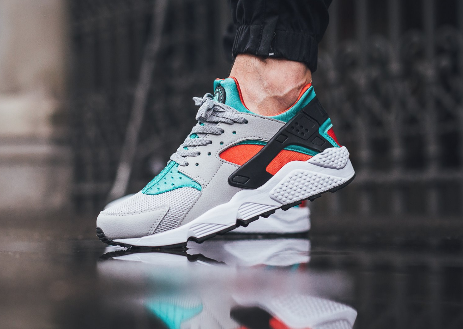 32c48141c37 Crimson   Jade Highlights This Nike Air Huarache. Nike Air Huarache (Clear  Jade) Shoes Men ...
