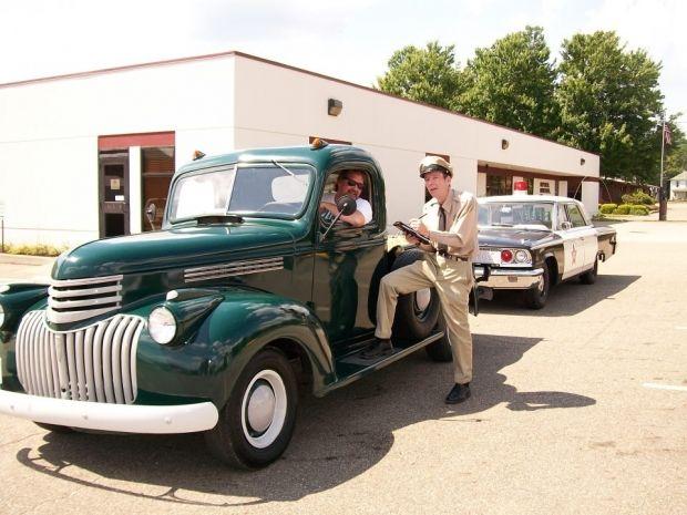 1942 Chevy 1/2 Tom   Pickup Truck   Amazing Classic Cars
