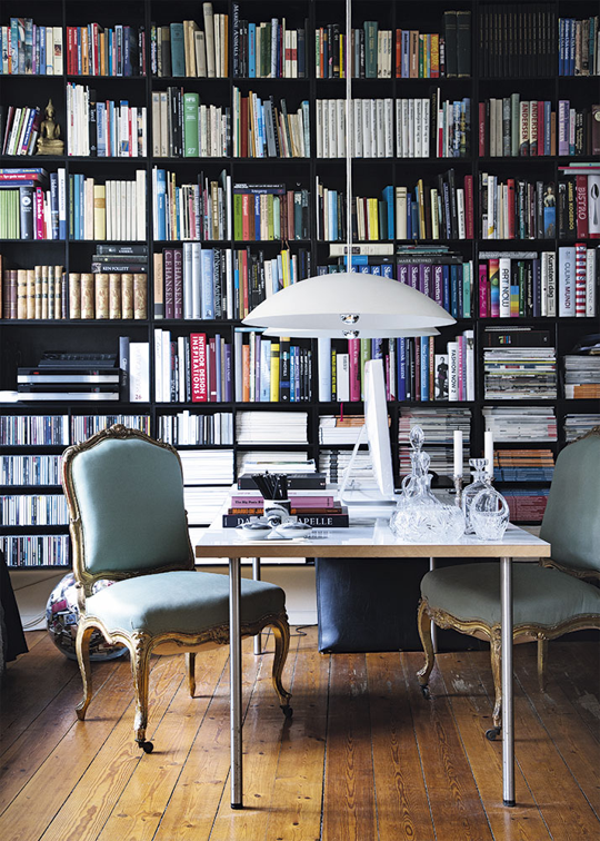 9 Beautiful Inspiring Home Libraries To Haunt Your Pinterest Dreams Home Library Design Home Libraries Home