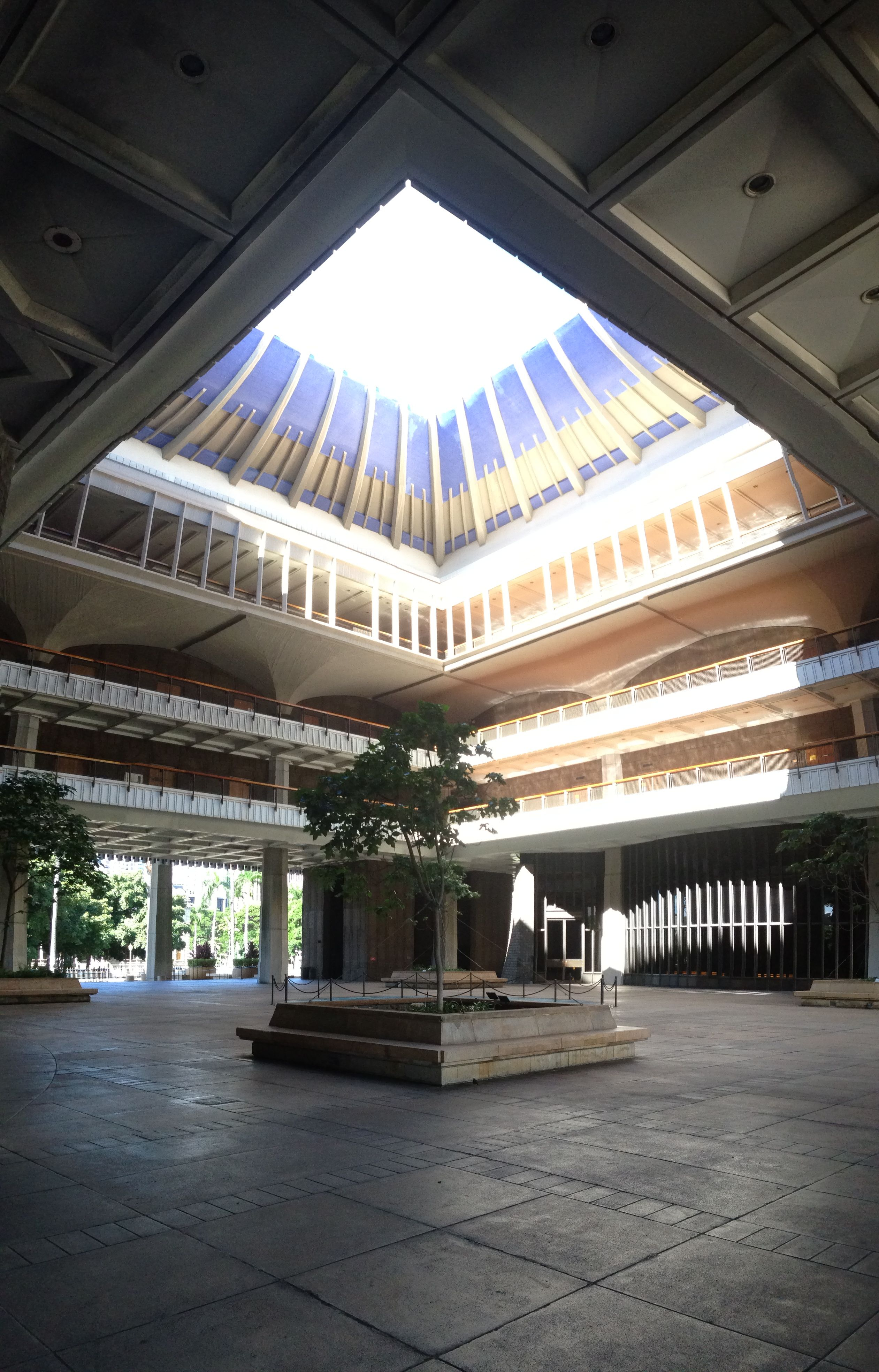 Hawaii State Capitol Building One Of The Most Accessible And Open Capitol Buildings In The Nation Capitol Building Hawaii Building