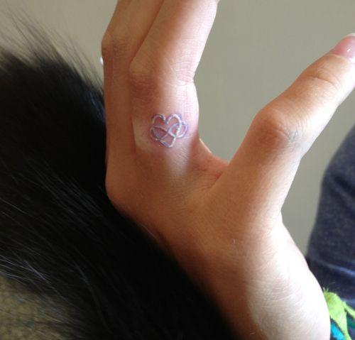 tattoo white ink finger Google zoeken Random Pinterest
