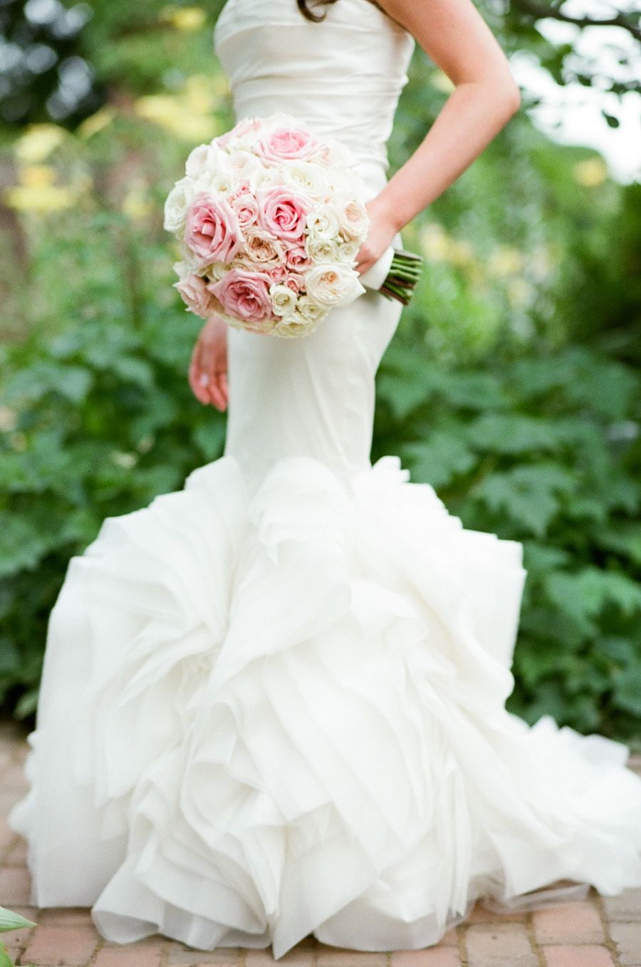 Photography : Tamara Gruner Photography | Wedding Dress : Vera Wang | Floral Design : Abby Flower Design Read More on SMP: http://www.stylemepretty.com/2015/09/25/romantic-chicago-botanic-garden-summer-wedding/