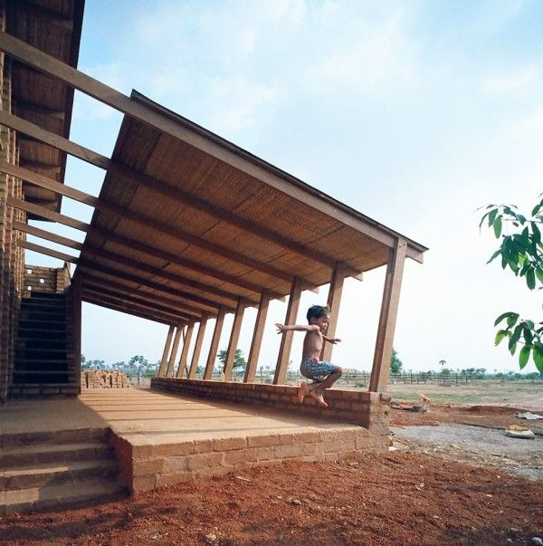 Sra Pou Berufsschule Architects Rudanko + Kankkunen: Sra Pou, Cambodia, 2010–2012 Photo: © Anssi Kankkunen