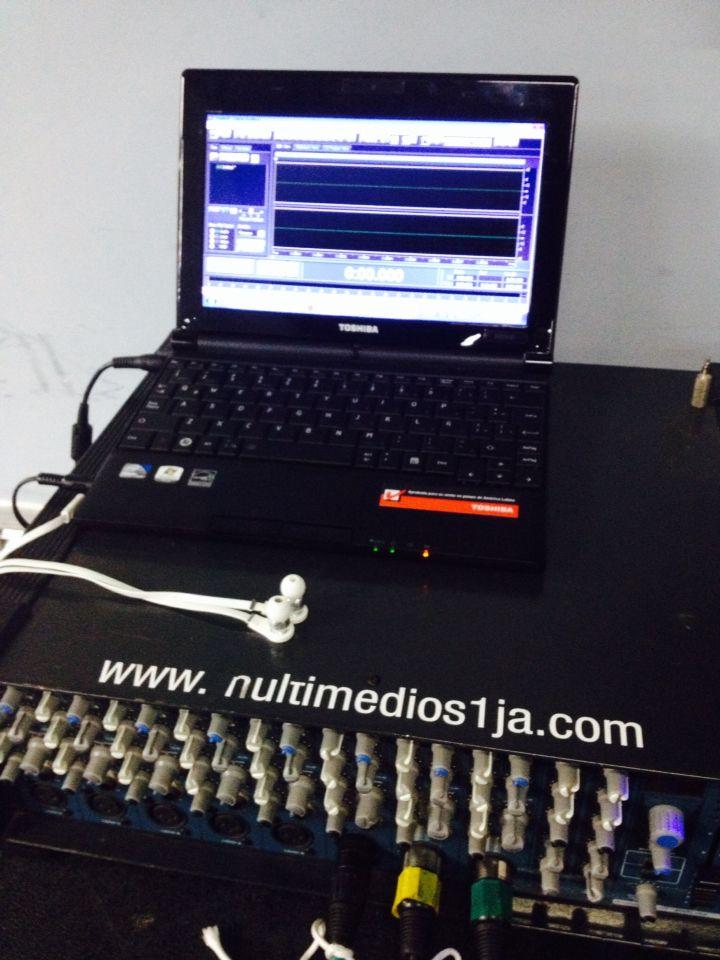Equipos de grabación de audio digital de Asamblea de Accionistas de la Policlínica Metropolitana, 2014.