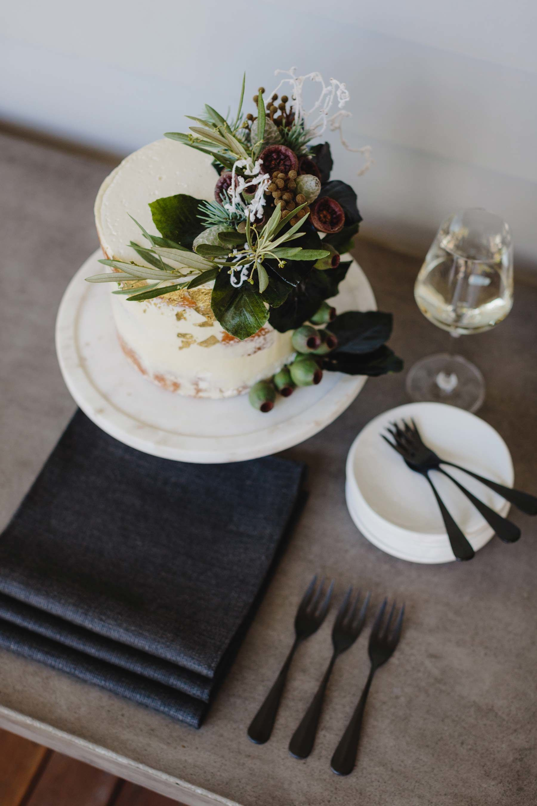 A Festive Summer Lunch with a Modern Australiana Theme