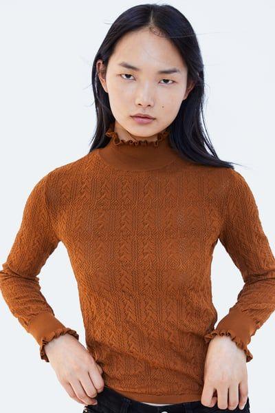 aspetto dettagliato 227f9 99199 Immagine 2 di MAGLIA COLLO ALTO ONDE di Zara   want to wear ...