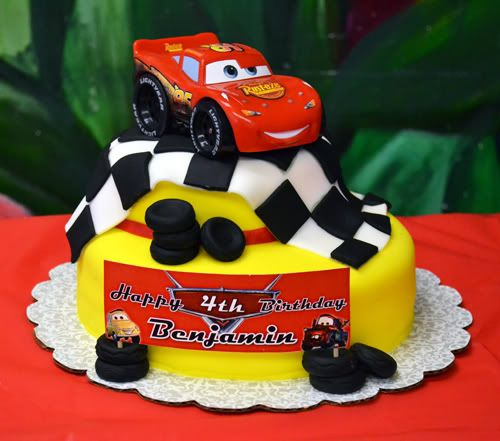 Fabulous Cars Lightning Mcqueen Cake For A 4Th Birthday With Images Personalised Birthday Cards Veneteletsinfo