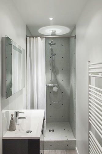 Douche a l 39 italienne sur lev e salle de bains en 2019 - Petite salle de bain avec douche a l italienne ...