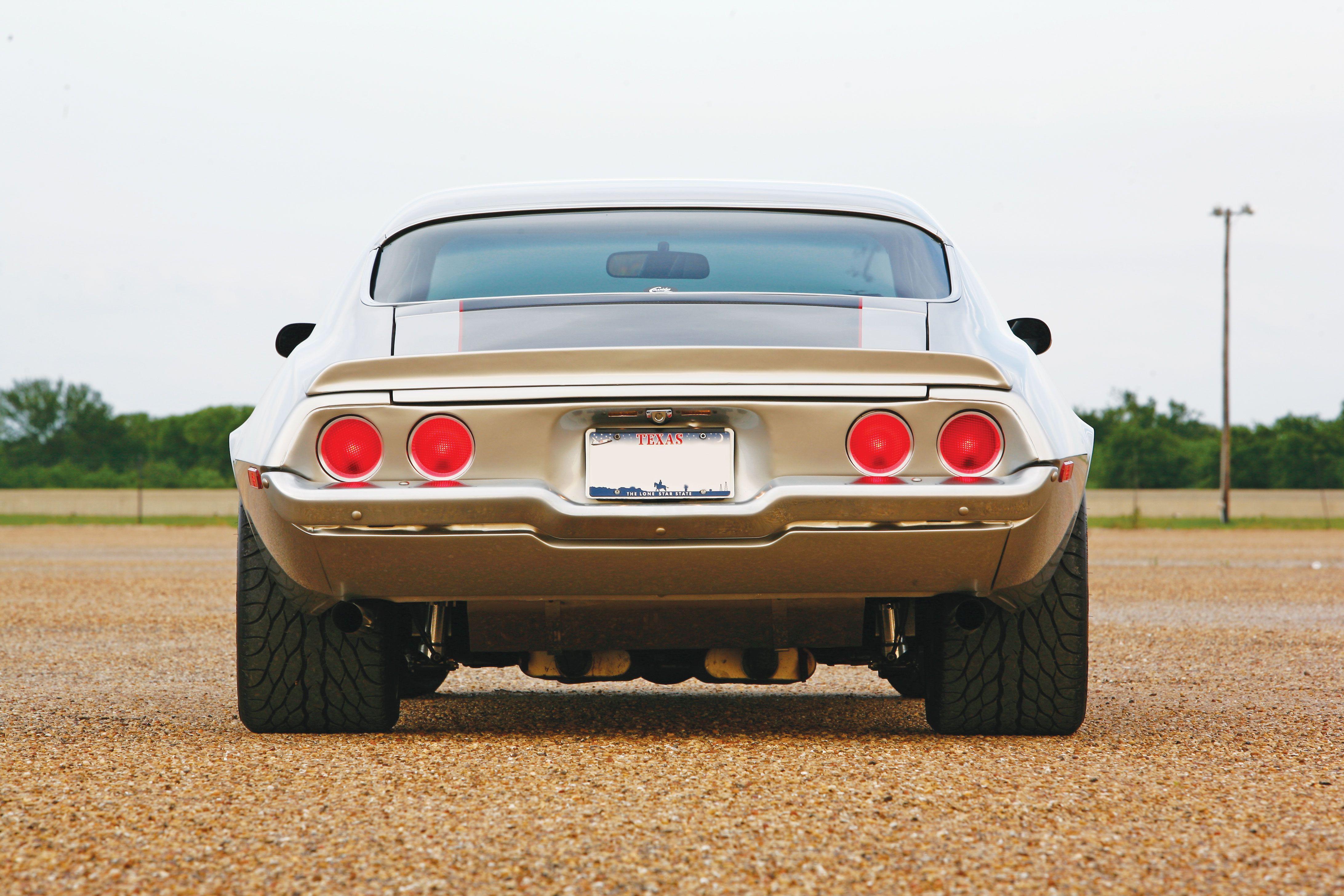 1970 camaro look at those big tires