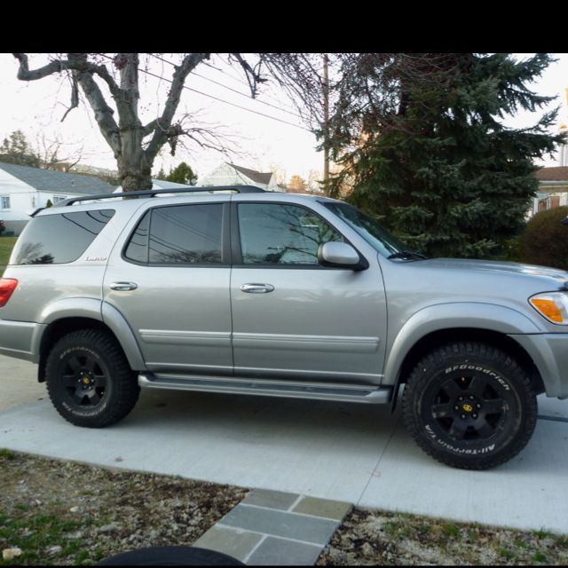 Trying Out My Sequoia With My Friends 33 Tires 2 Lift And Blacked Out Fj Rims Love It Toyota Suv Toyota Sequioa Sequoia